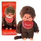Păpuşă Monchhichi băiat cu baveţică roșu - 20 cm