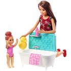 Barbie Skipper: Păpuşă Skipper babysitter brunet cu bebeluş cu păr roşcat