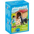 Playmobil: Figurină fetiţă cu câine şi cuşcă pentru câine - 70136