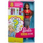 Barbie: Păpușă brunetă cu accesorii surpriză