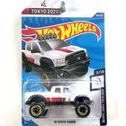Hot Wheels: 10 Toyota Tundra kisautó - fehér
