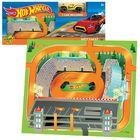 Covoraș de joacă moale cu model Hot Wheels și 1 mașinuță - 60 x 76 cm