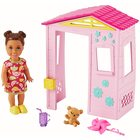 Barbie Skipper Babysitters: Set de joacă - Păpușă fetiță cu căsuță de joacă