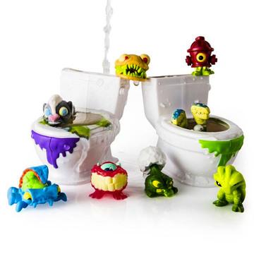 Flush Force: Bűzös WC játékszett 8 darab figurával - többféle - . kép