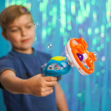 Fru Blu: Tun baloane de săpun - .foto