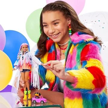 Barbie: Extravagáns pink-lila hajú baba csillogós szettben kiskutyával - . kép